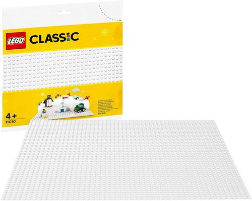 A Lego Classic Set The 25 Cm X 25 Cm White Baseplate For The Base Of Winter Sets