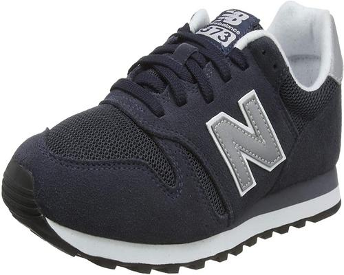 Ein Paar New Balance Ml373Nay Sneakers