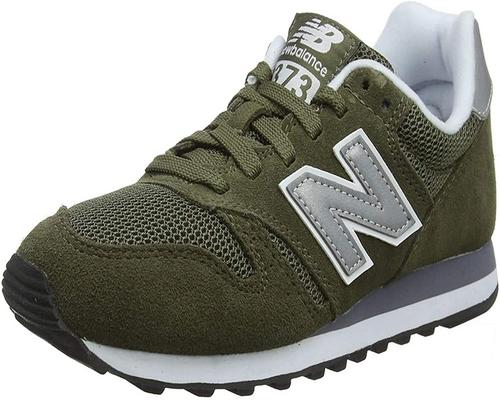ein Paar New Balance Ml373Obm Sneakers