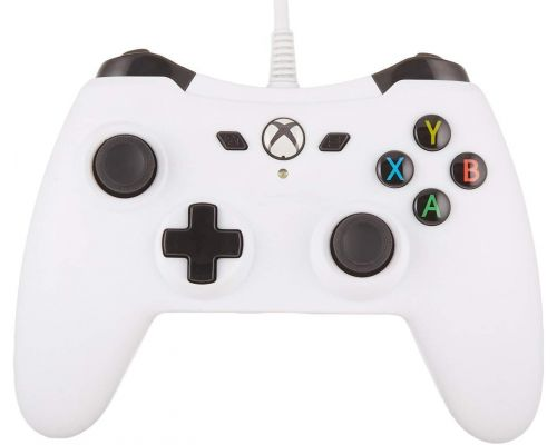 A Xbox One Wired Controller